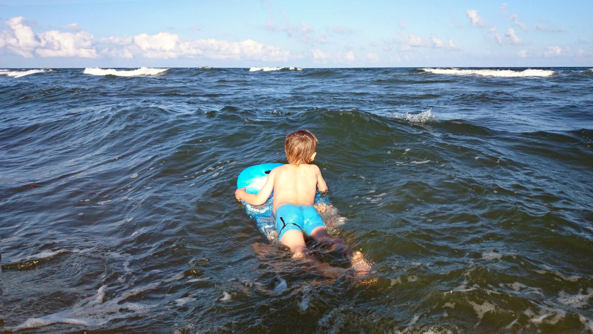 Vågsuring på Haväng är semester.