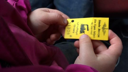 Barnbiljett på tuff-tuff-tåget.