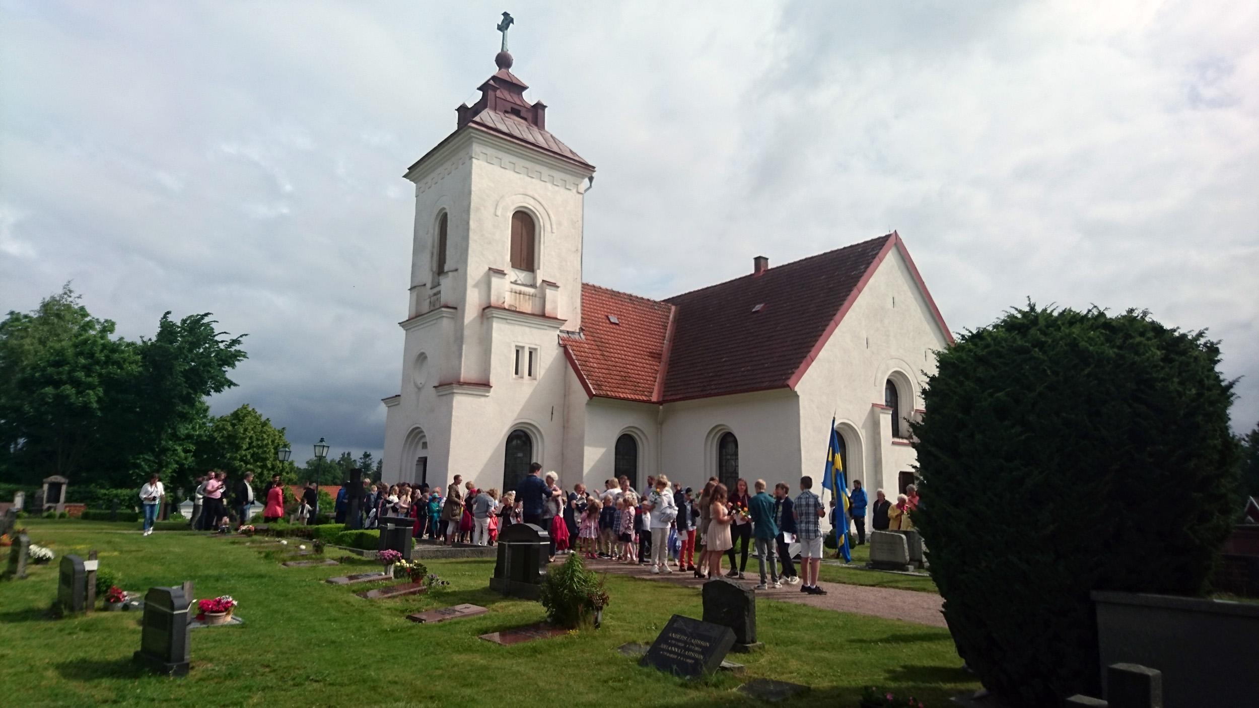 Skolavslutningen i Brösarps kyrka.